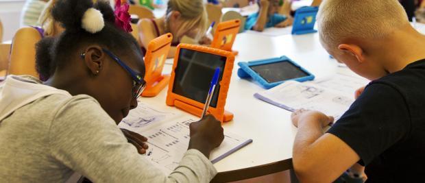为什么比尔·盖茨和乔布斯不让自家孩子接触科技产品?
