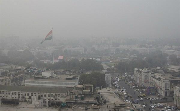 """德里雾霾""""红警""""映射出全球气候行动的失败"""