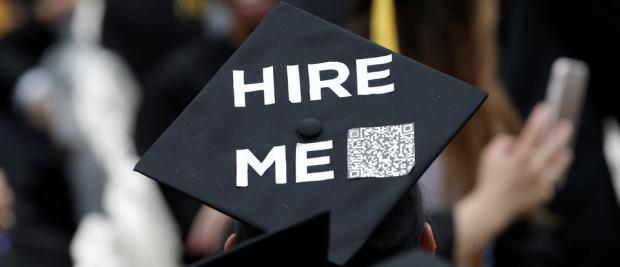 中国留学生,负笈归来,却面临职业梦想的幻灭