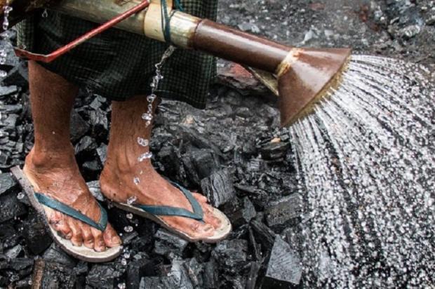 从森林到熔炉:缅甸木炭的入滇之路