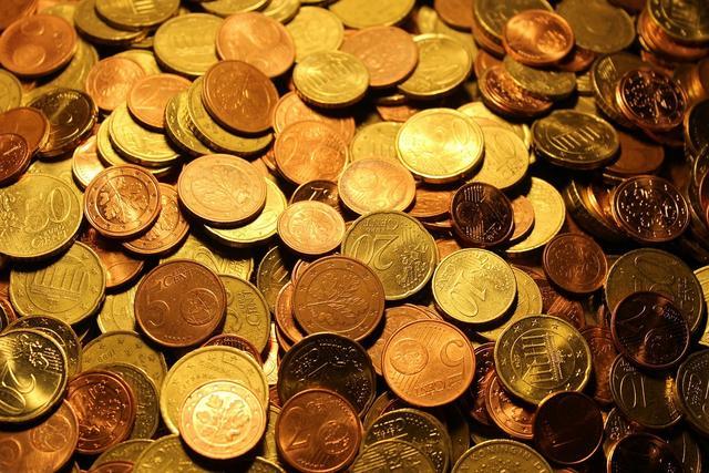 新闻总说中国人有钱,但为什么我们都感觉不到?钱去哪了?