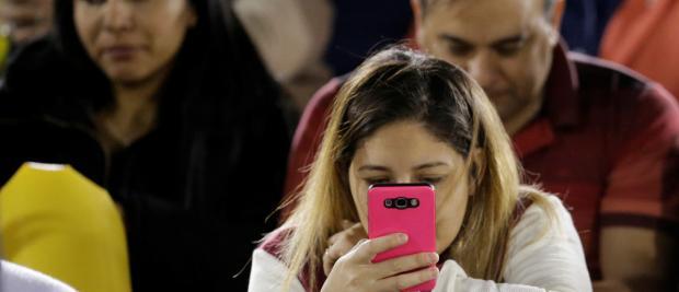 过度沉迷手机可能会有损你的大脑