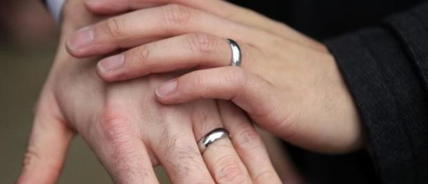 要预防老年痴呆?结个婚吧!