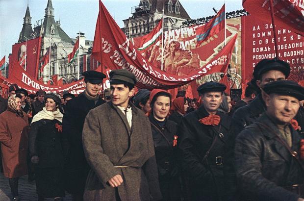 十月革命节为何变成了隐性节日?