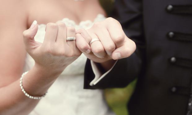 300多个平台竞争在线婚恋市场 珍爱网依旧领跑