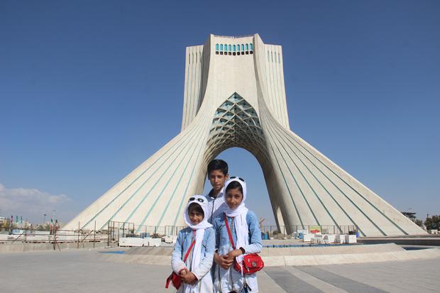 阿富汗向左,伊朗向右 | 伊朗行纪
