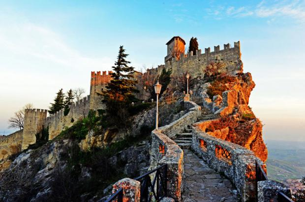 圣马力诺之旅:最古老的共和国