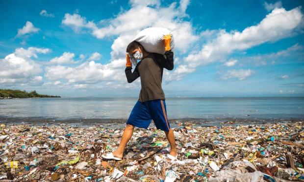 《八百万》系列播客:全球塑料污染问题