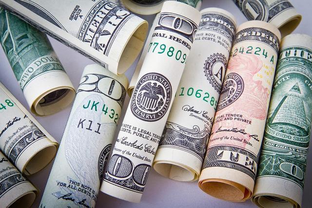 四大行重回躺着挣钱的时代,日赚24亿的背后危险在哪里?