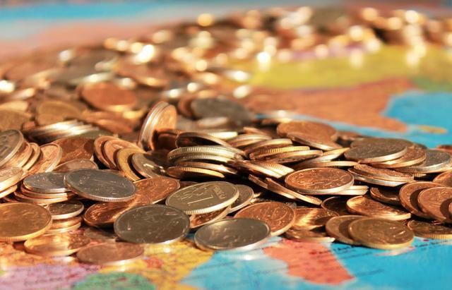 物价上涨工资不涨,低工资时代来临普通人究竟该如何自救?