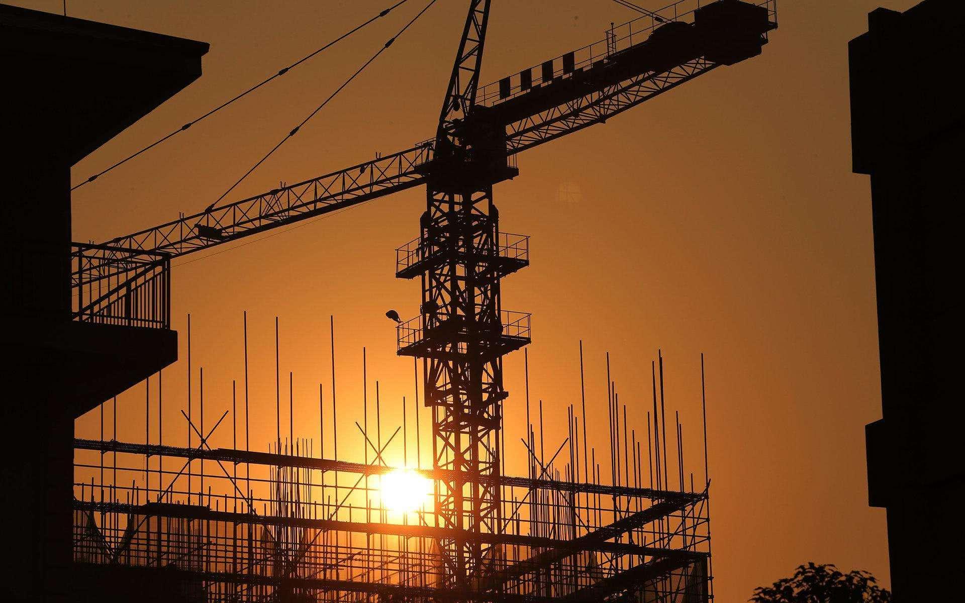 一二线量价齐跌!三线退烧,地价变化揭秘楼市怎样的未来?