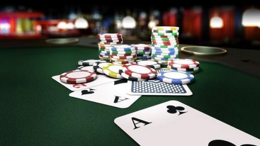 潮水正涌过德州扑克