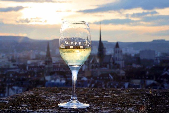 第戎为起点 领略法国美景与美酒美食之美