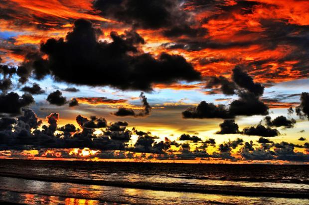 马来西亚之旅:沙巴的美丽落日