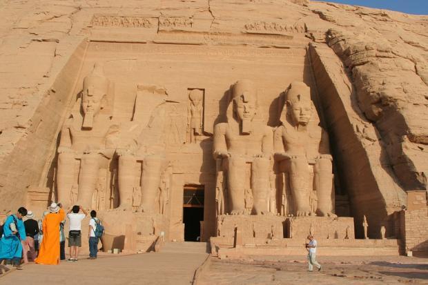 埃及:能源与旅游业改革向前