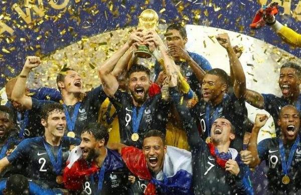 世界杯总结:雄鸡独立,众神回家,每人都来一个奖杯