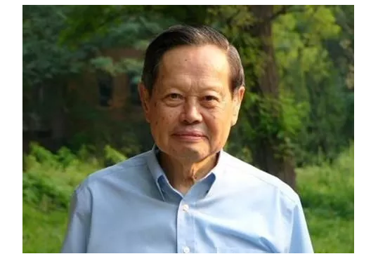 杨振宁坚持反对中国建造高能加速器的历史原因