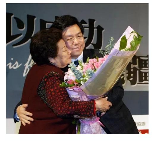 李开复:母亲的十件礼物 | 悼文