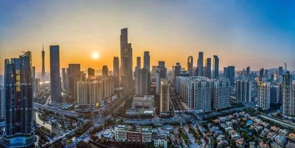 十大超级城市2018上半年经济增速:广州天津重庆为何垫底?