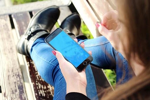 手机寒冬已来,消费降级时代中国手机厂商到底如何自救?