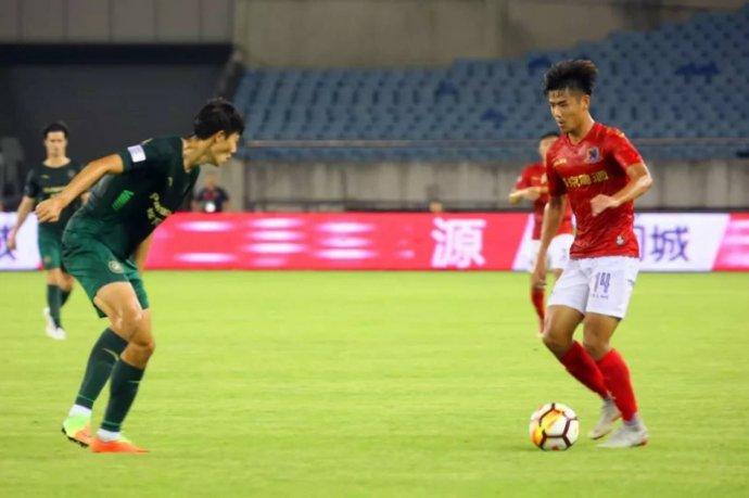北京5支足球队近日鏖战急