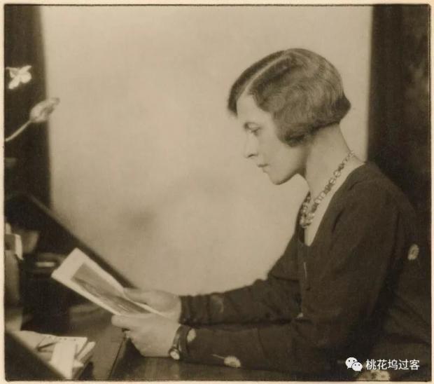 女性广播先驱的精彩人生