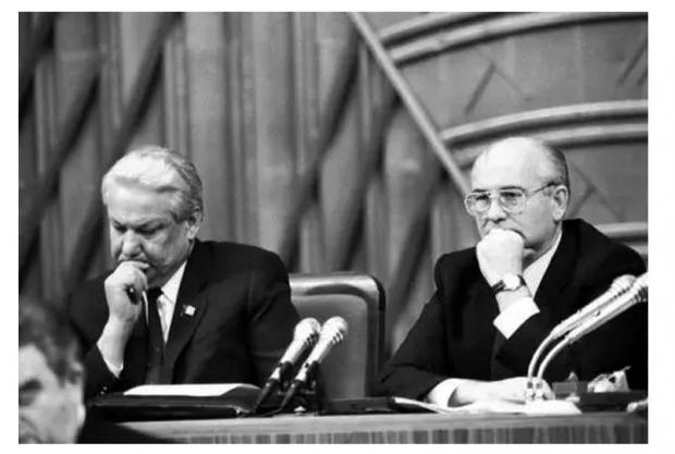 从戈尔巴乔夫到普京,俄国这些年到底发生了些什么?