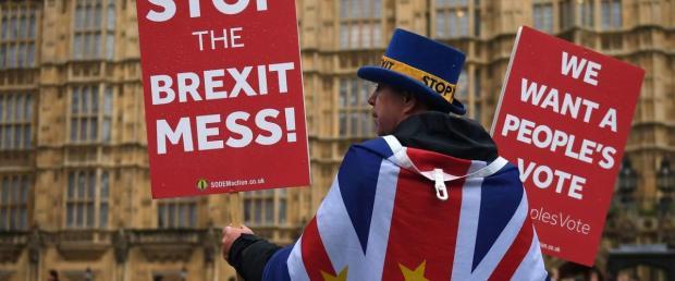 一地鸡毛的英国脱欧如何收场?
