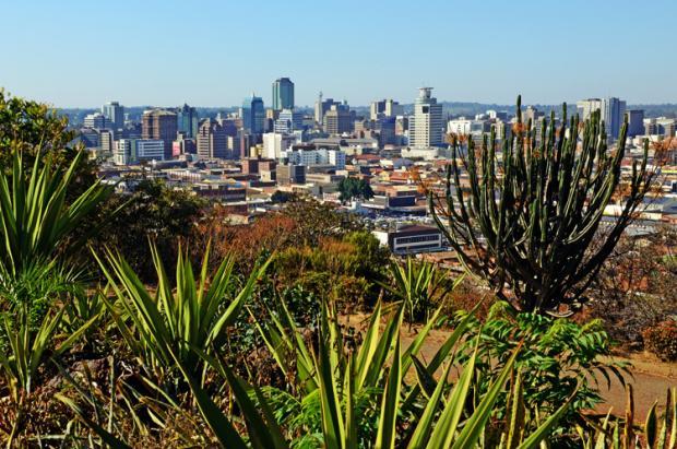 津巴布韦之旅:一张纸币百万亿