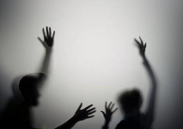 女子遭家暴31年砍死丈夫,反家暴法应长出牙齿