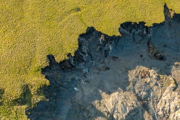 冻土融化导致北极地区发生数千起山体滑坡