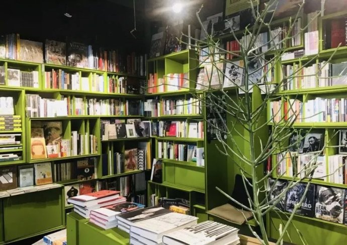 书店有氛围也要有灵魂
