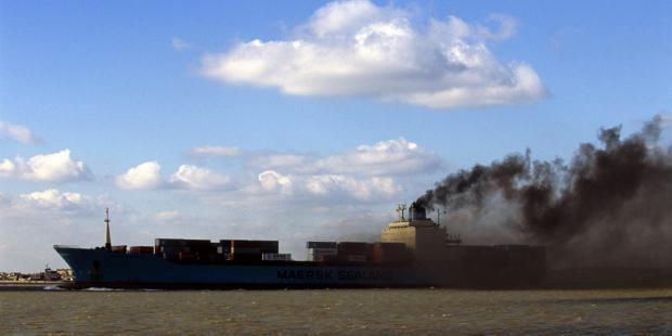 控制船舶排放,保护沿海环境