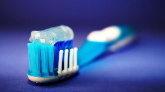 国产牙膏集体失守,田七被卖背后国产牙膏究竟问题何在?
