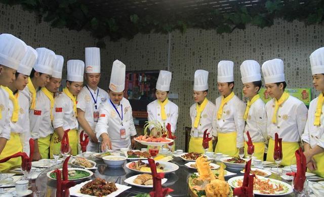 新东方厨师学校竟然上市了?教人做菜怎么成了一门最赚钱的生意?