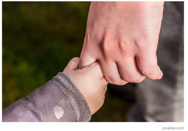 如何解释儿子比女儿更有利于婚姻稳定?