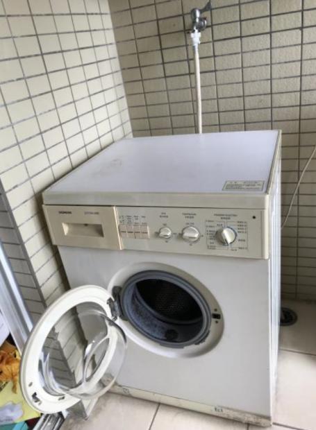 为西门子洗衣机更换轴承——一位经济学家的动手能力测试