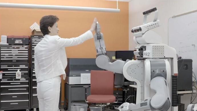 女性更易被人工智能抢饭碗?