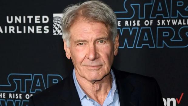 国际巨星Harrison Ford开飞机又差点出大事了!