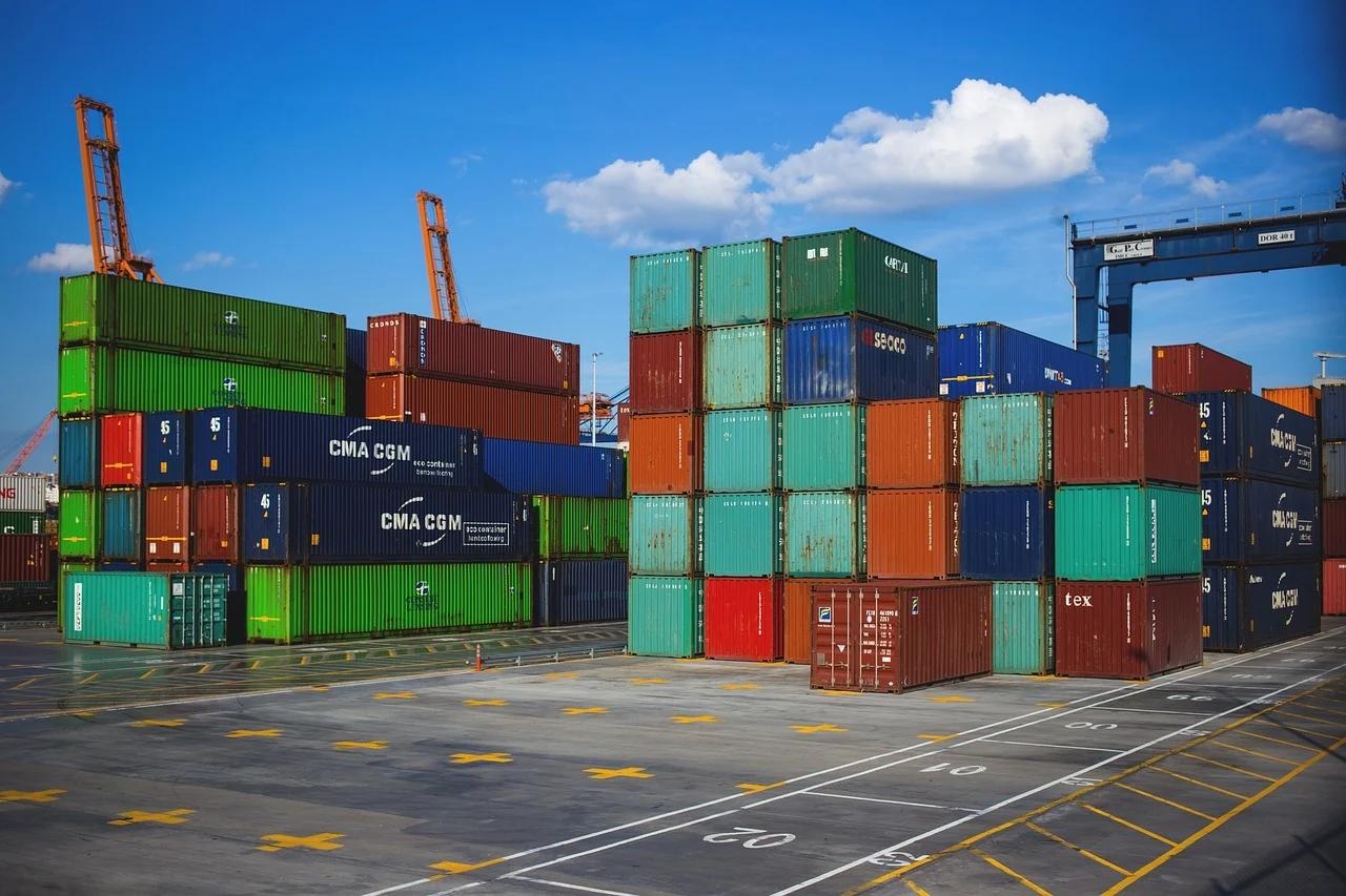 """出口企业要当海归?为什么出口转内销能靠""""1块包邮""""自救呢?"""