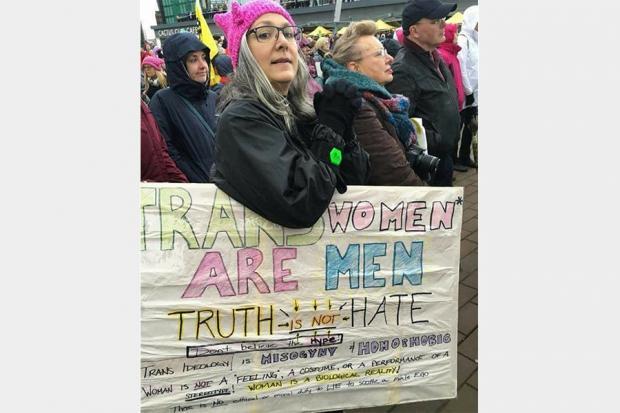 哈利·波特反对种族主义,为什么罗琳却不愿承认跨性别的存在?
