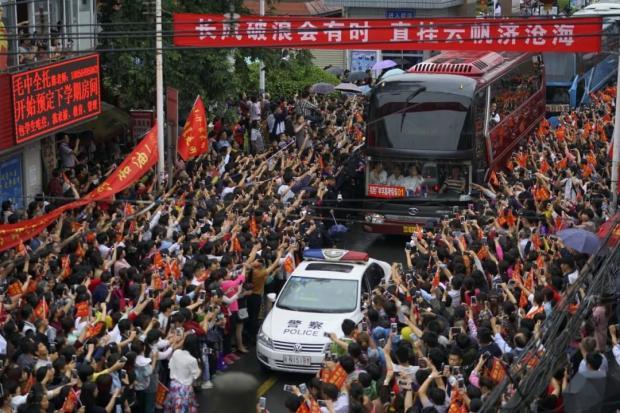 杨东平:应该坚决打击超级中学的现象