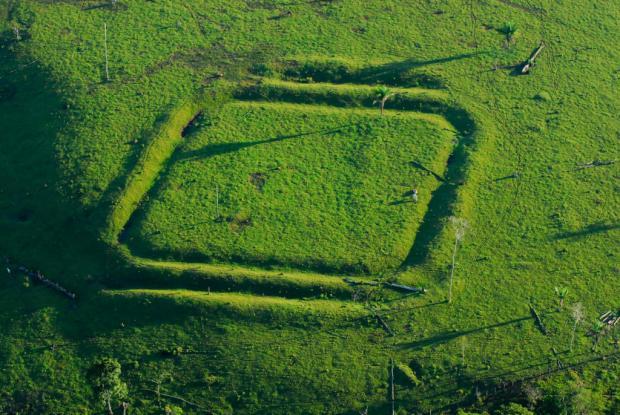 """消失的""""鬼斧神工"""":农企破坏亚马逊古老地雕"""