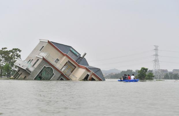 """如何透过""""气候棱镜""""报道洪水?"""