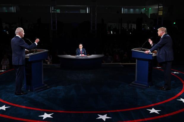 特朗普大闹辩论赛,我来写个球评吧