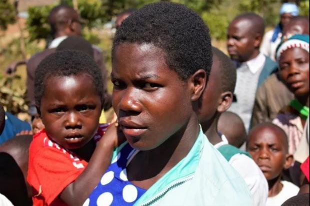 由于干旱,更多女性早早结婚生子 | 一周科技
