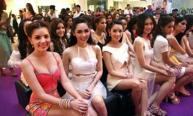 泰国这两天乱哄哄的在闹腾啥?