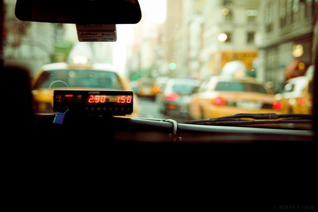 出租车的黄昏?从众星捧月到拿什么拯救你,出租车还有未来吗?
