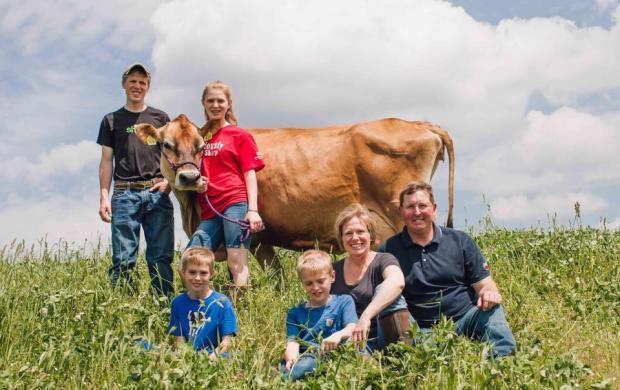 共益企业卡博特乳品厂合作社依靠相互依存关系来安全解决新冠疫情带来的问题