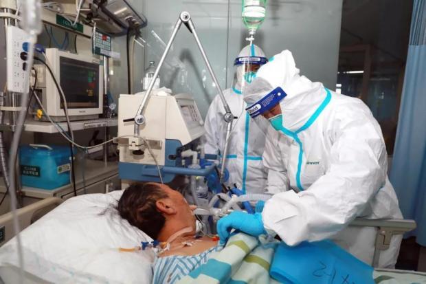 """接到雷神山医院ICU的任务时,这个 """"光杆司令"""" 急得跳脚"""